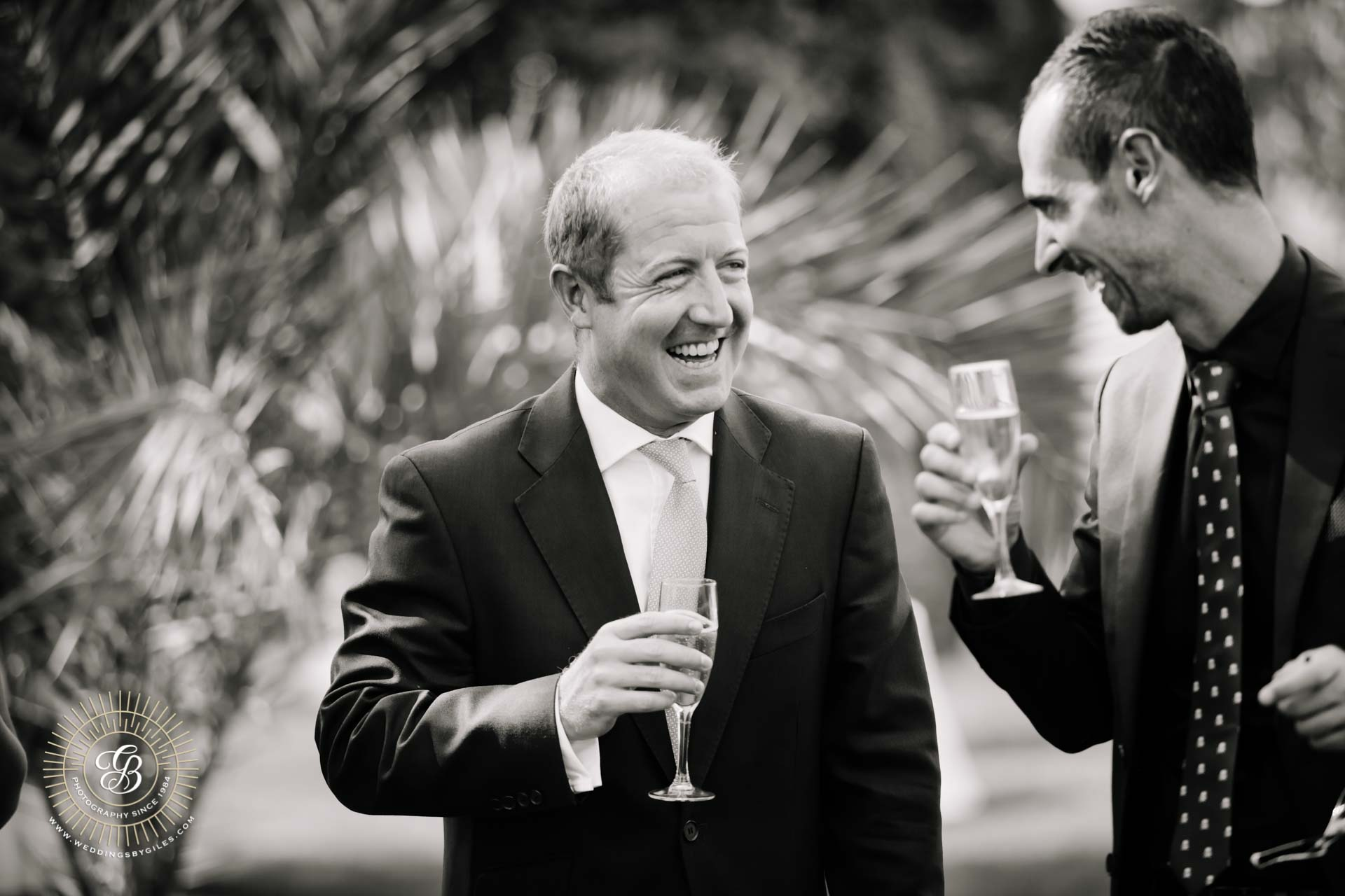 wedding guests drink champagne