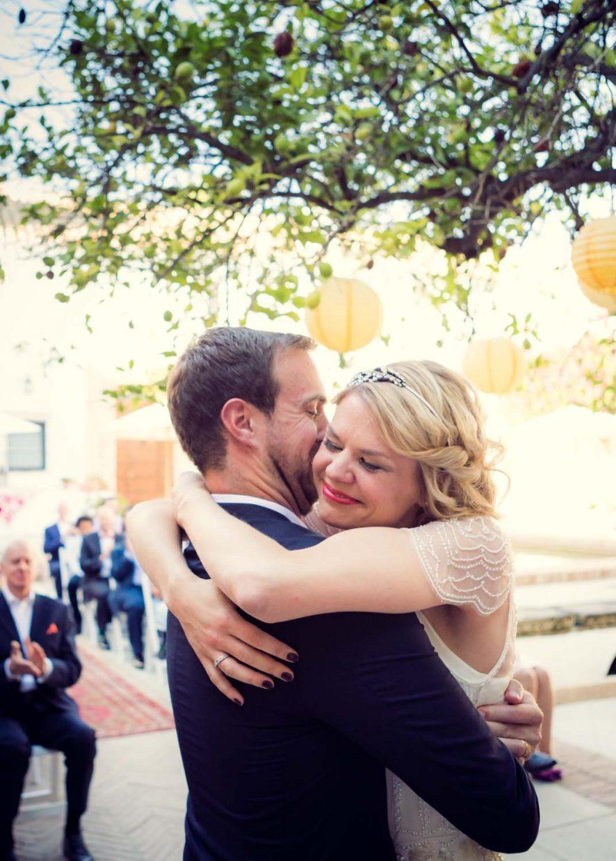 the wedding kiss at Faín Viejo