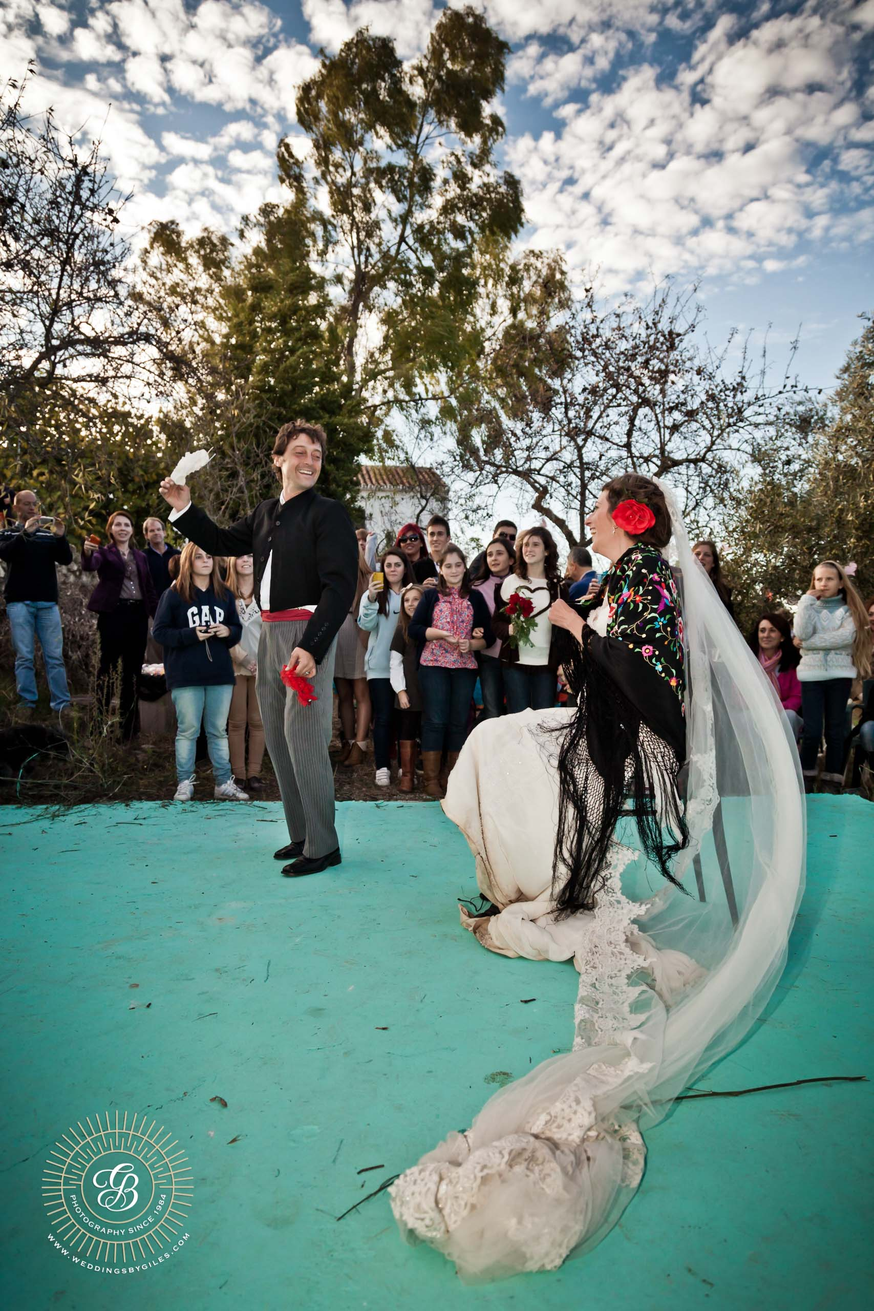 groom throws the garter